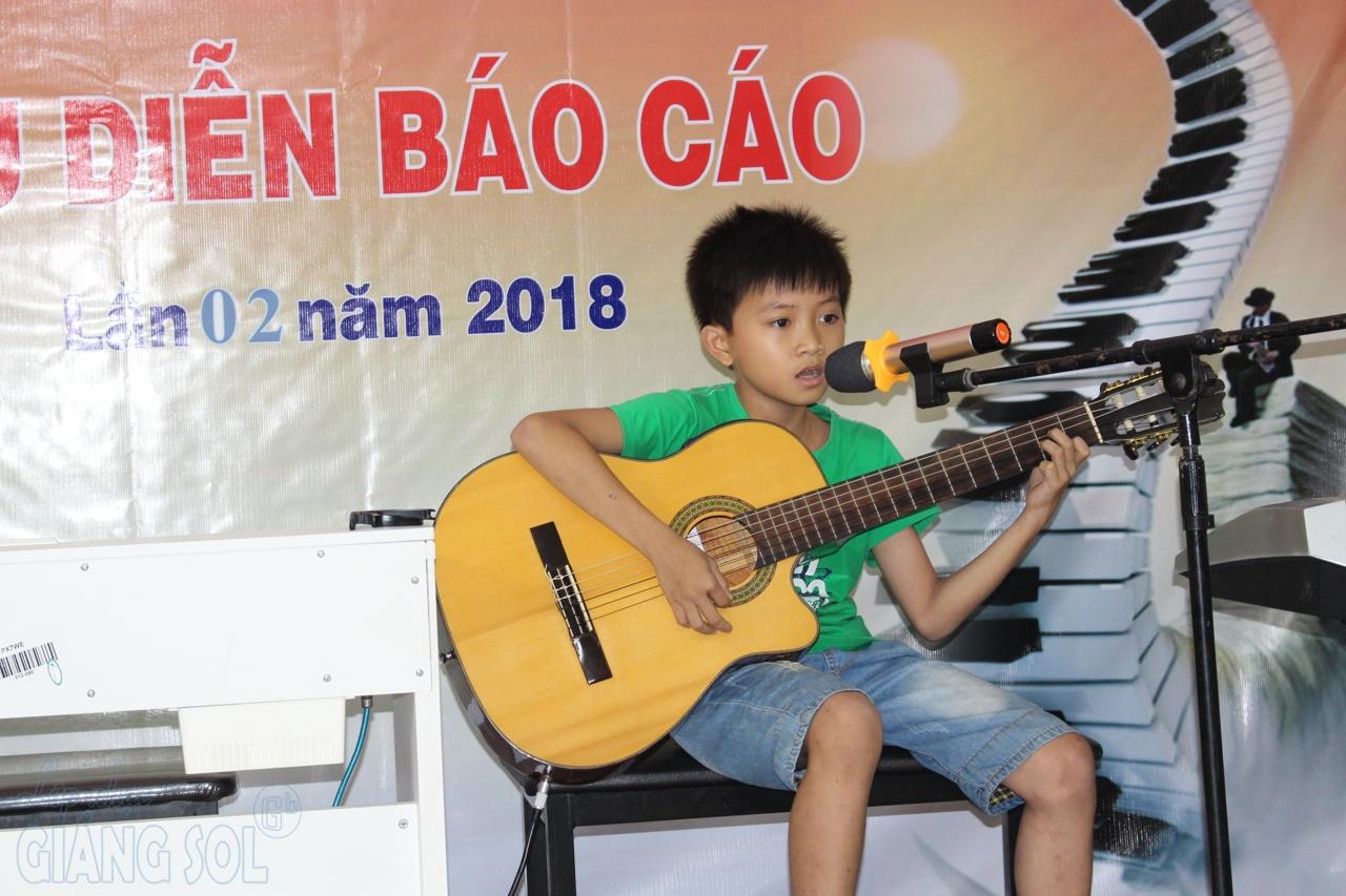 Lớp dạy đàn Guitar Quận 12, lớp nhạc giáng sol