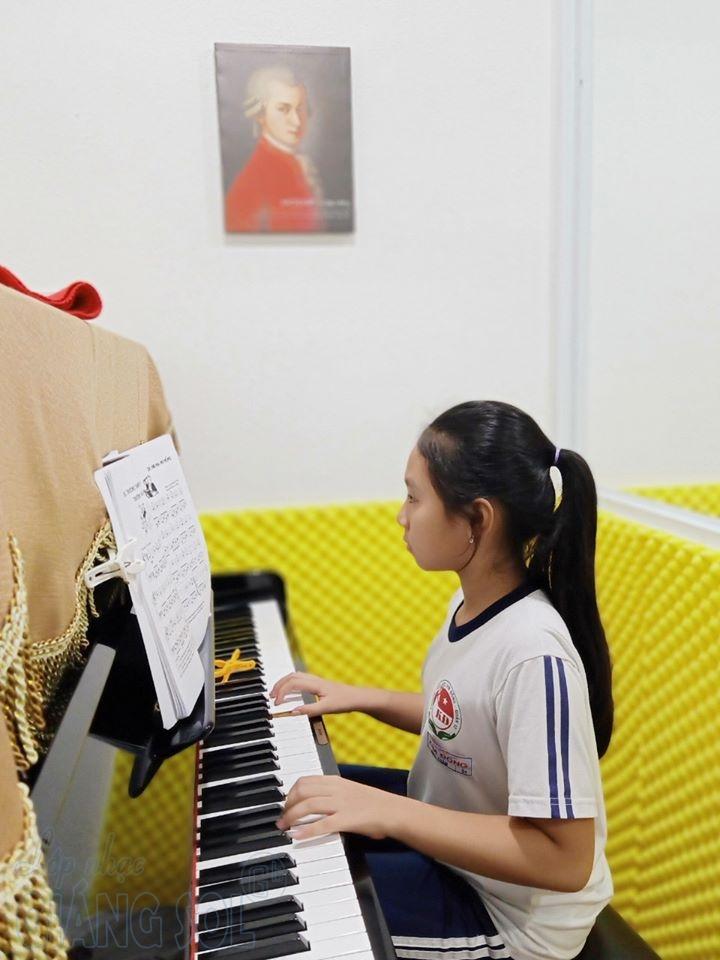 tác dụng của việc học đàn Piano đối với trẻ em