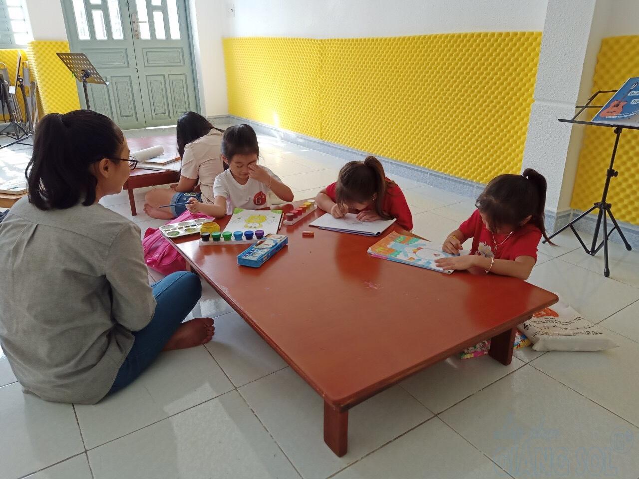 Lợi ích khi cho bé tập tô màu, lớp vẽ thiếu nhi Quận 12